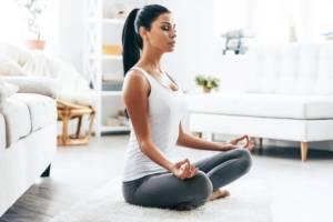 yoga_position_lotus_respiration_relaxation_récupération_sportive